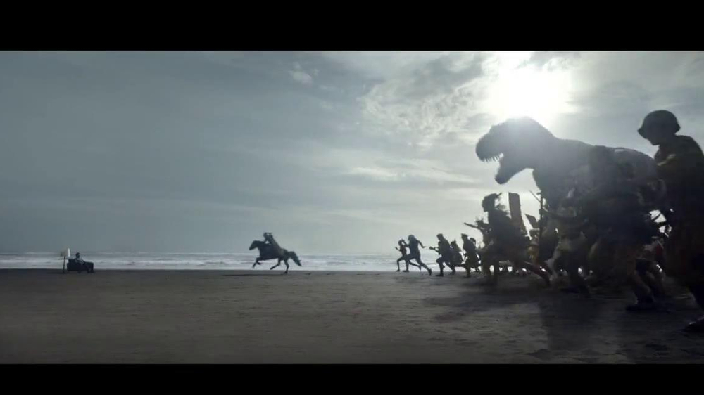 Samsung Smart TV TV Spot, 'Recommendations' Song by Kill It Kid - Screenshot 5