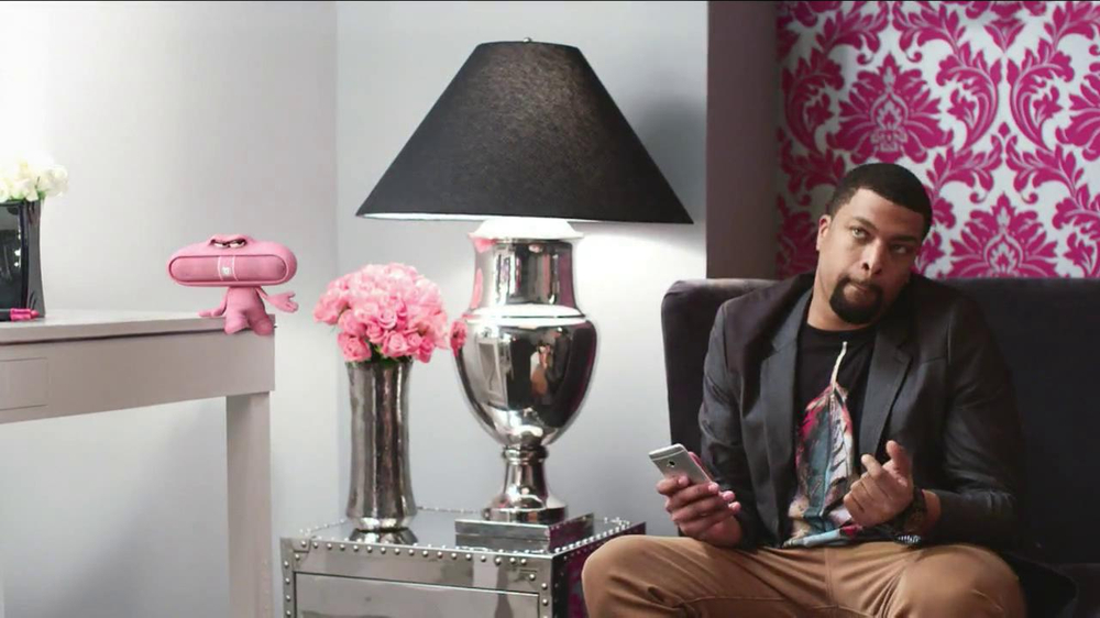 Beats Audio Pink Pill TV Spot Featuring Nicki Minaj, DeRay Davis ...