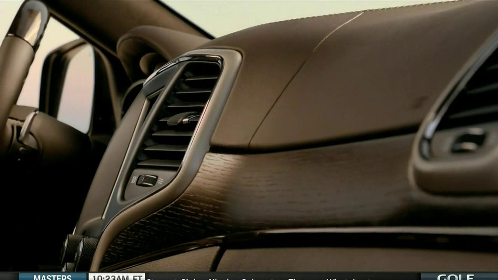2014 Jeep Grand Cherokee TV Spot, 'Another Place' - Screenshot 4