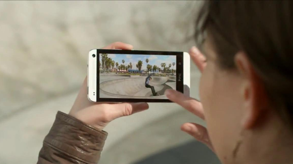 Best Buy Blue Shirt Beta Test TV Spot, 'Stephanie Tests HTC One' - Screenshot 6