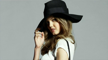 H&M TV Spot, 'The New Icons' Featuring Lindsey Wixson, Joan Smalls, Liu Wen - Thumbnail 7