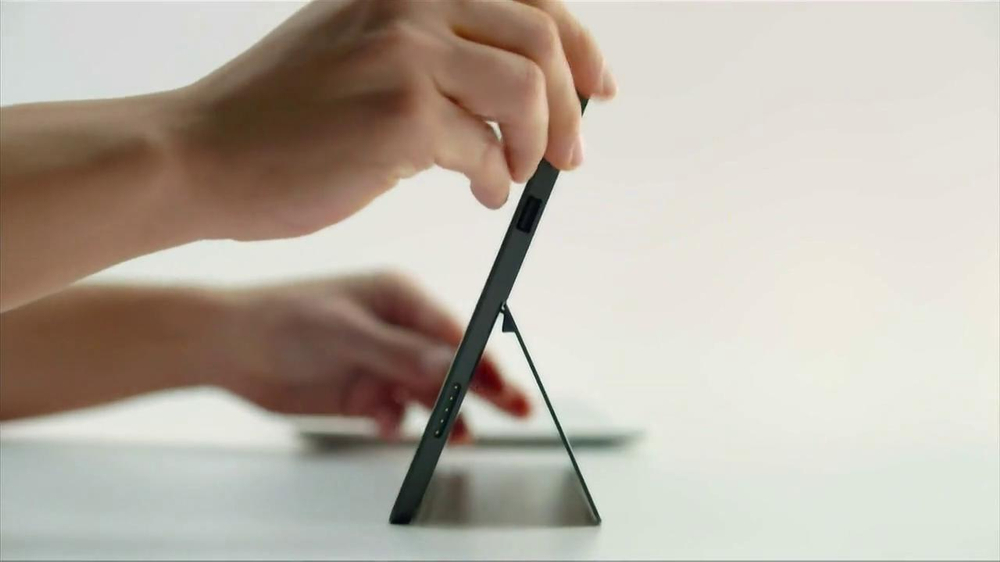 Microsoft Surface TV Spot, 'Siri' - Screenshot 3