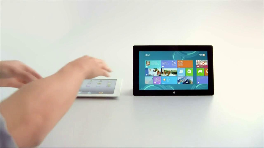 Microsoft Surface TV Spot, 'Siri' - Screenshot 4