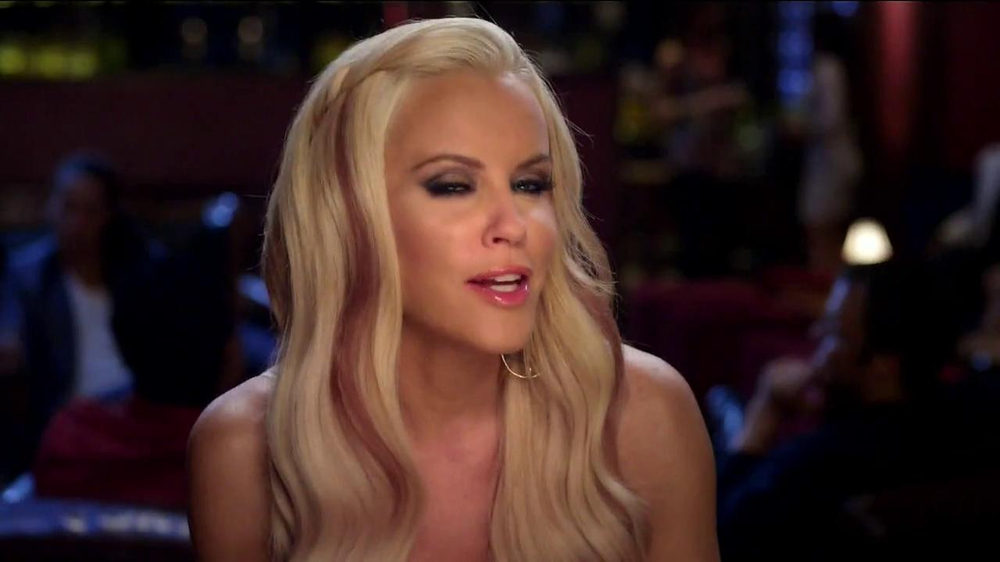 Blu Cigs TV Spot Featuring Jenny McCarthy - Screenshot 1