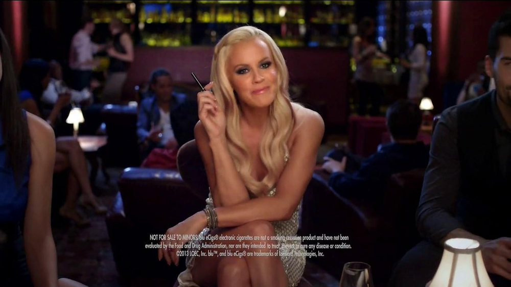 Blu Cigs TV Spot Featuring Jenny McCarthy - Screenshot 10