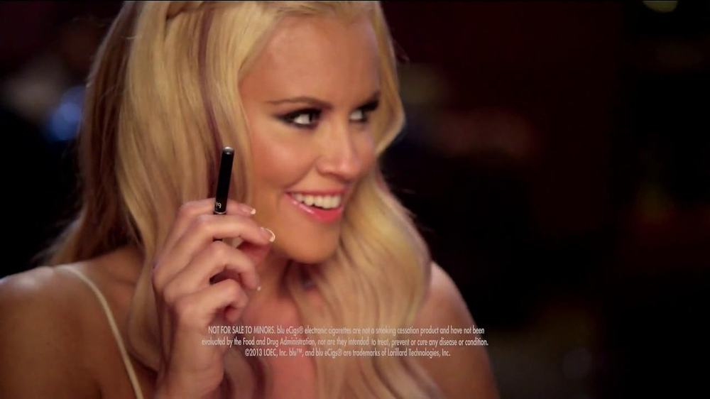 Blu Cigs TV Spot Featuring Jenny McCarthy - Screenshot 9
