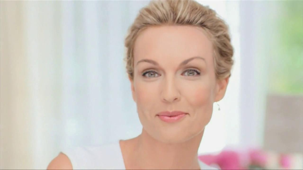 Garnier Anti-Aging BB Cream TV Spot, 'Mother' - 1727 commercial airings