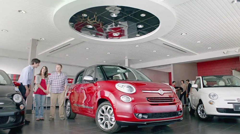 FIAT 500L TV Spot, 'Authentic Italian Family' - Screenshot 1