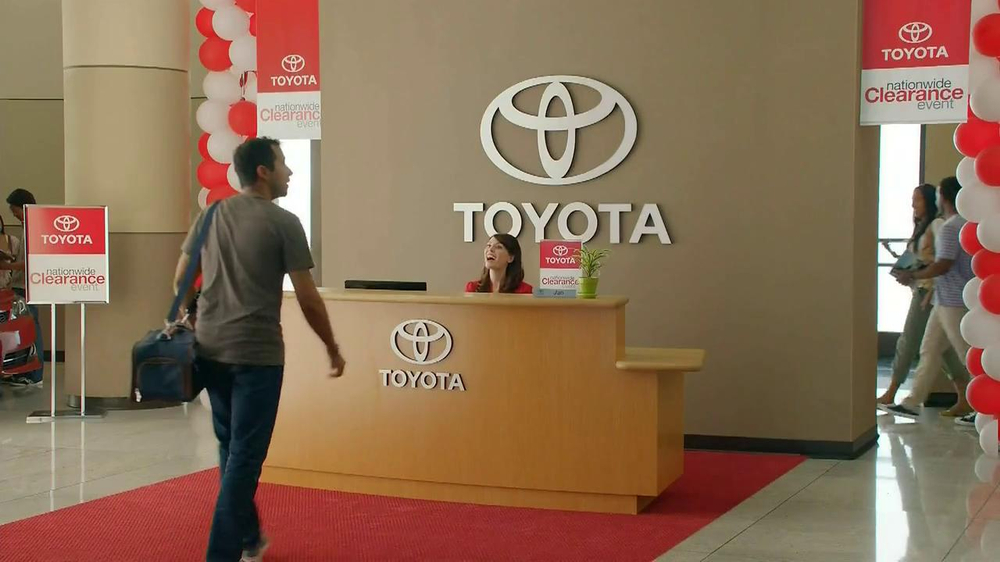 Toyota Clearance Event TV Spot, 'Chameleon' - Screenshot 1