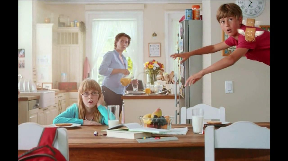 Pillsbury Toaster Strudel TV Spot, 'Door Kick with Hans Strudel' - Screenshot 6