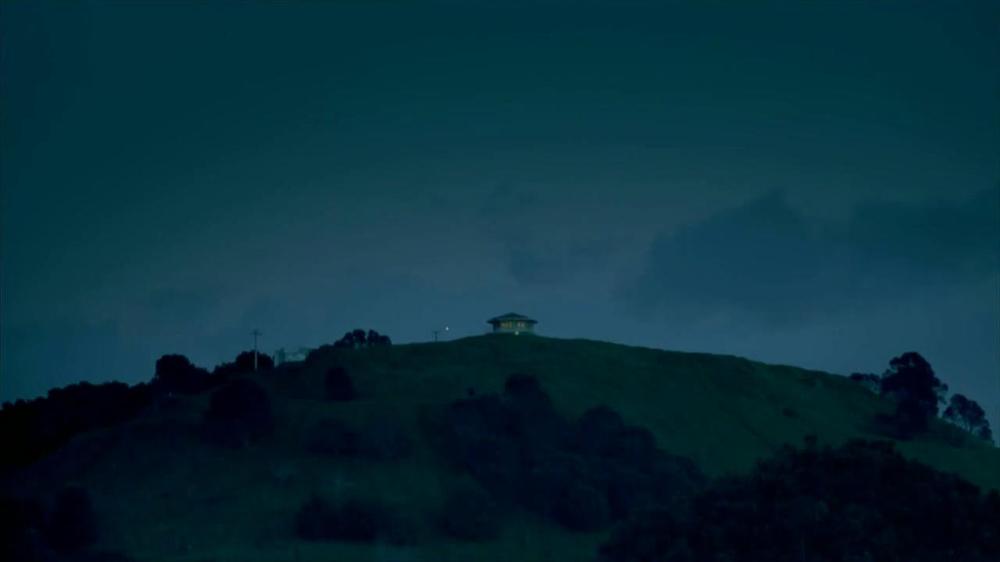 Febreze Sleep Serenity TV Spot, 'Lights Out' - Screenshot 3