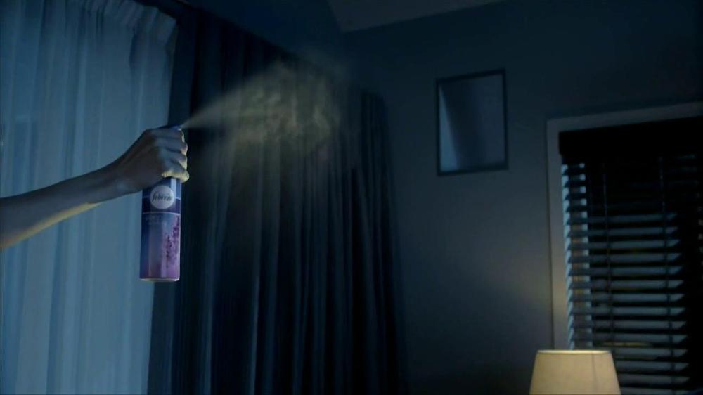 Febreze Sleep Serenity TV Spot, 'Lights Out' - Screenshot 5