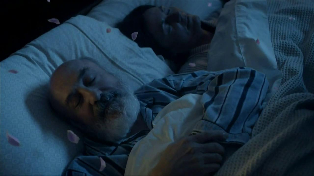 Febreze Sleep Serenity TV Spot, 'Lights Out' - Screenshot 7