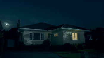Febreze Sleep Serenity TV Spot, 'Lights Out' - Thumbnail 2