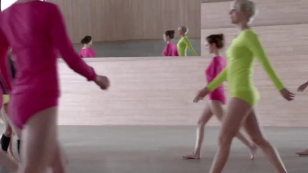 Hanes TV Spot, 'Color Wheel' Song by Izabo - Screenshot 4
