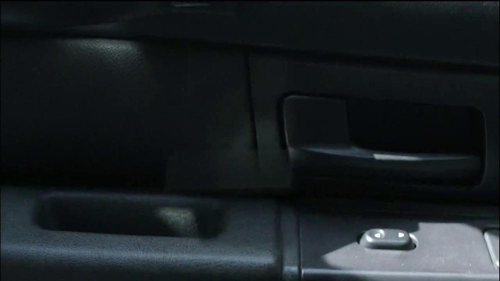 Motorola Droid Ultra TV Spot, 'Episode 1: Rough Ride' - Screenshot 3