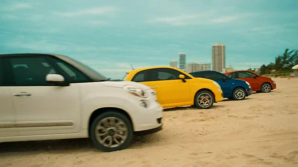 FIAT 500L TV Spot - Screenshot 5