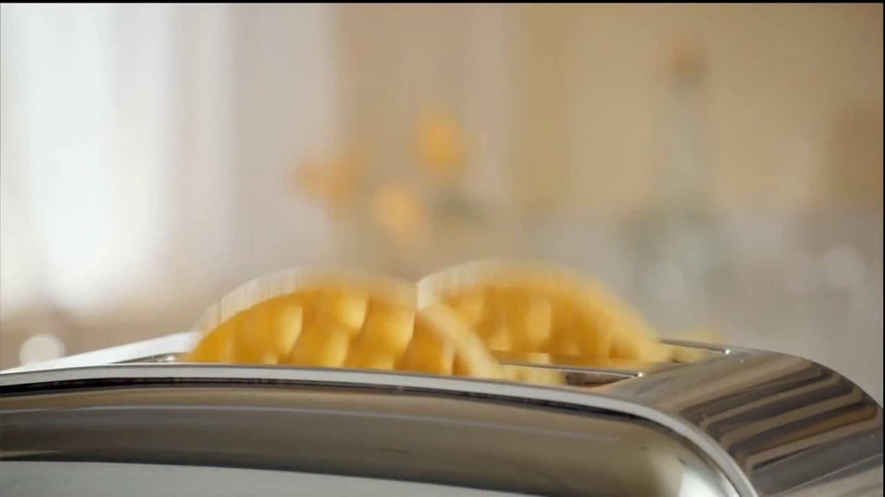 Kellogg's Eggo Waffles TV Spot, 'Picky Eater' - Screenshot 6