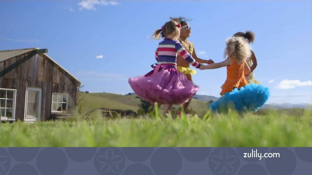 Zulily TV Spot, 'Savvy Moms' - Screenshot 1