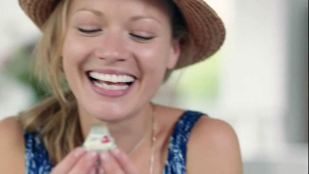 The Laughing Cow Light Creamy Swiss TV Spot, Song by Fitz and the Tantrums - Screenshot 3