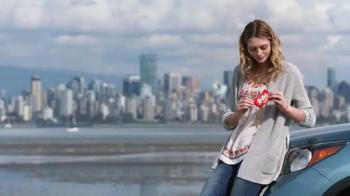 KitKat TV Spot, 'Por La Cuidad' [Spanish]