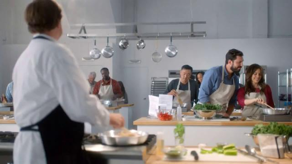 Verizon NFL Mobile TV Spot, 'Cooking Class' Featuring Drew Brees - Screenshot 1