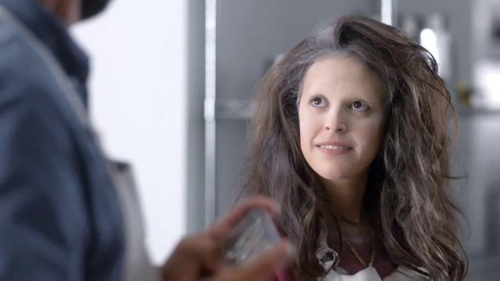 Verizon NFL Mobile TV Spot, 'Cooking Class' Featuring Drew Brees - Screenshot 6