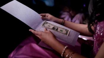 Taco Bell Dollar Cravings Menu TV Spot, 'Cumpeaños' [Spanish]