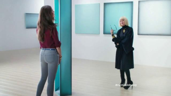 Old Navy Jeans TV Spot, 'Art is Dead. Jeans are Alive.' Feat. Amy Poehler - Thumbnail 5