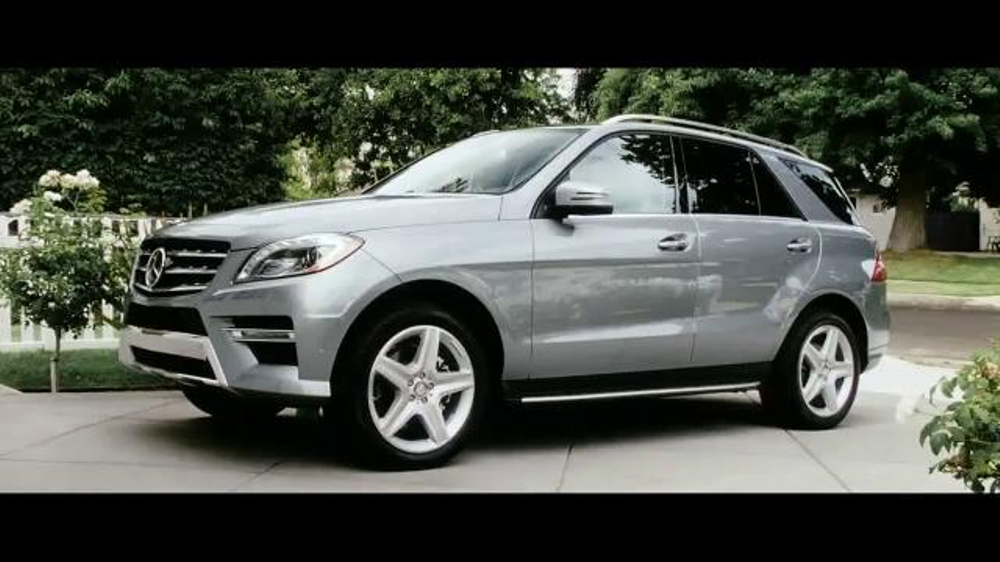 2015 mercedes benz ml 350 tv commercial 39 the worst of the road 39. Black Bedroom Furniture Sets. Home Design Ideas