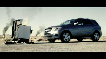 2015 Mercedes-Benz ML 350 TV Spot, 'The Worst of the Road' - Thumbnail 4