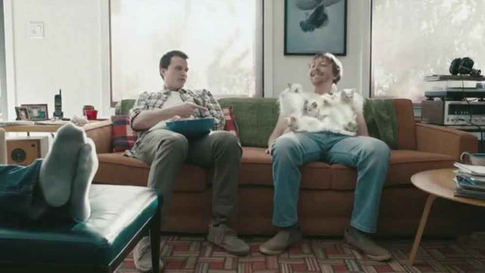 Hanes Comfort Blend T-Shirt TV Spot , 'Softer Than a Kitten'