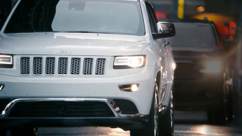 jeep grand cherokee tv commercial 39 2014 big finish christmas lights. Cars Review. Best American Auto & Cars Review