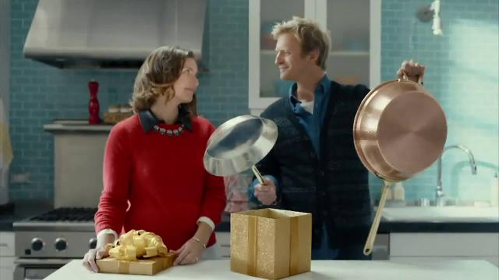 TJ Maxx TV Spot, 'Right Gifts. Right Prices' thumbnail