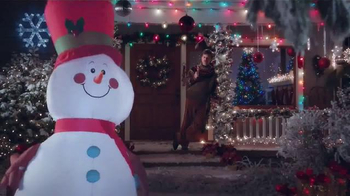 Lowe's: How to Make a Snowman While Eating a Turkey Leg