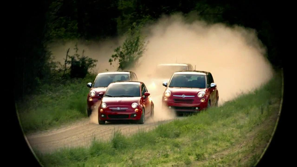 FIAT 500L TV Spot 'The Italians are Coming' Song by T.Rex - Screenshot 3