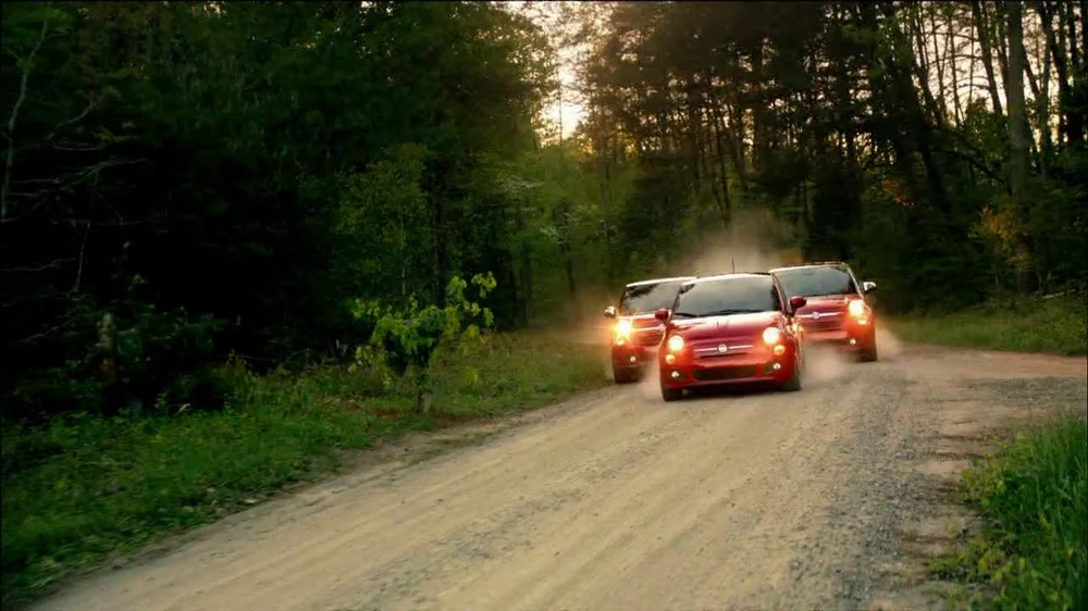 FIAT 500L TV Spot 'The Italians are Coming' Song by T.Rex - Screenshot 4