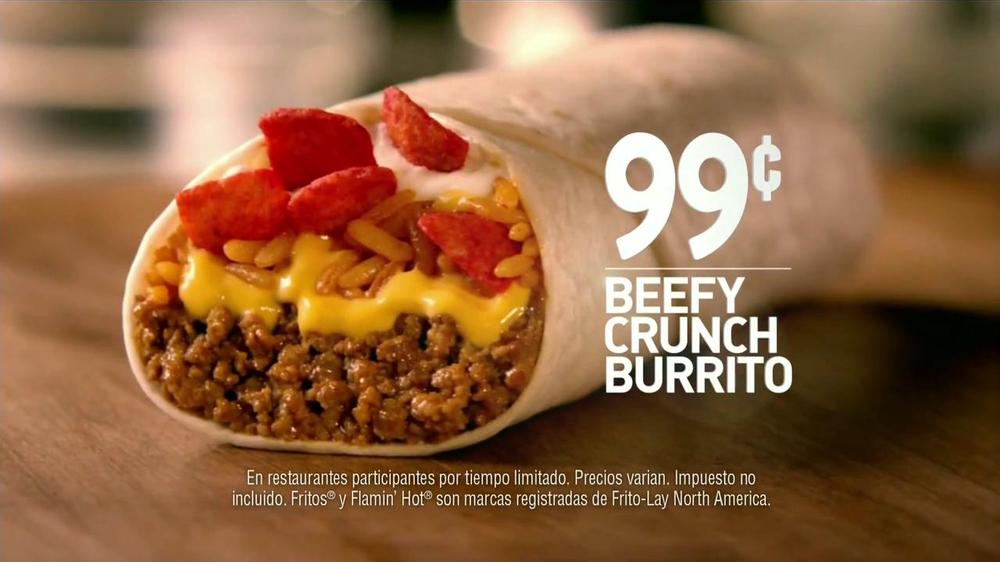 Taco Bell Beefy Crunch Burrito TV Spot  Spanish  - Screenshot 10Taco Bell Beefy Crunch Burrito