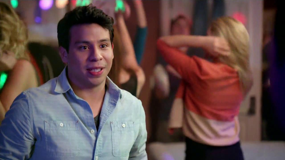 Pepsi Next TV Spot, 'Fiesta en Casa' [Spanish] - Screenshot 7