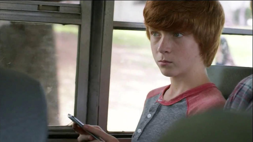 Verizon TV Spot, 'Little Brother's First Day' - Screenshot 1