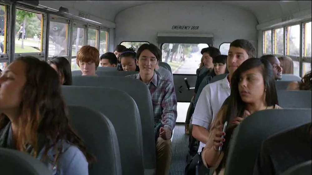Verizon TV Spot, 'Little Brother's First Day' - Screenshot 2