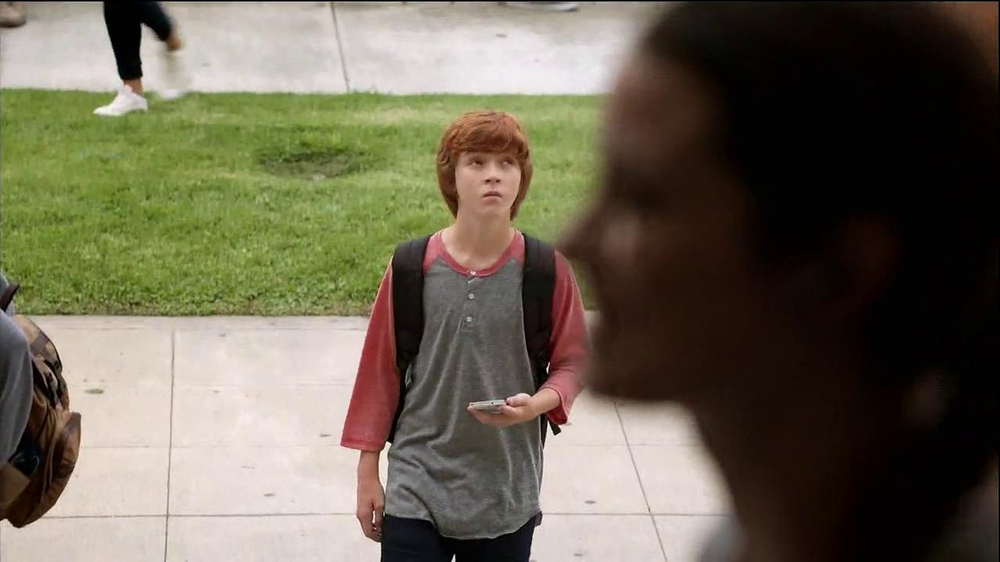 Verizon TV Spot, 'Little Brother's First Day' - Screenshot 3