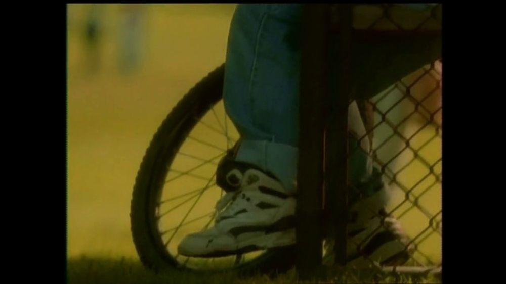 La Fundación para una Vida Mejor TV Spot, 'La Amistad' [Spanish] - Screenshot 3