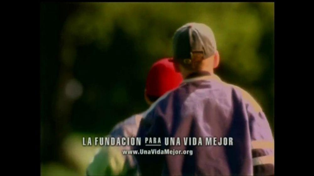 La Fundación para una Vida Mejor TV Spot, 'La Amistad' [Spanish] - Screenshot 6