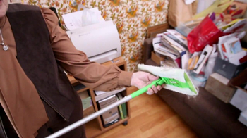 Swiffer Sweeper TV Spot, 'Elderly Couple' - Thumbnail 6