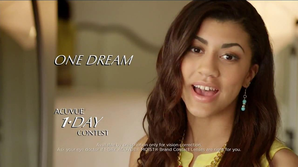 ACUVUE Moist TV Spot Featuring Shay Mitchell - Screenshot 3