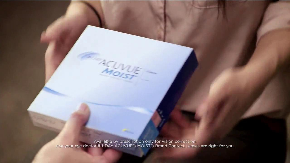 ACUVUE Moist TV Spot Featuring Shay Mitchell - Screenshot 4