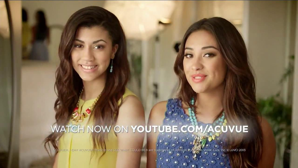 ACUVUE Moist TV Spot Featuring Shay Mitchell - Screenshot 9