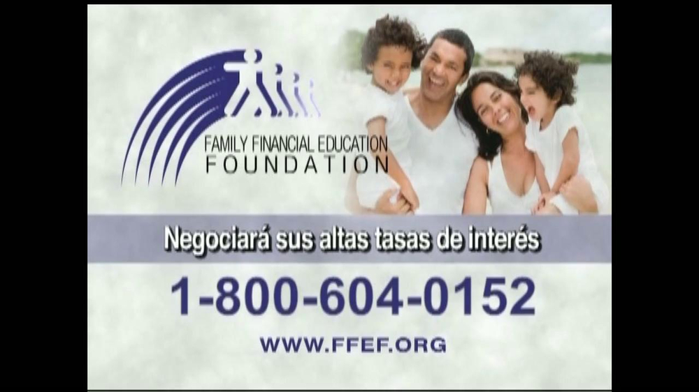 Family Financial Education Foundation TV Spot, 'Cobranza' [Spanish] - Screenshot 8