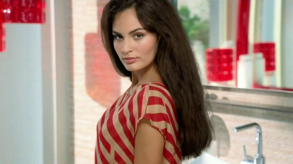 TRESemme Keratin Smooth TV Spot  Spanish  - Screenshot 2Tresemme Keratin Smooth Commercial